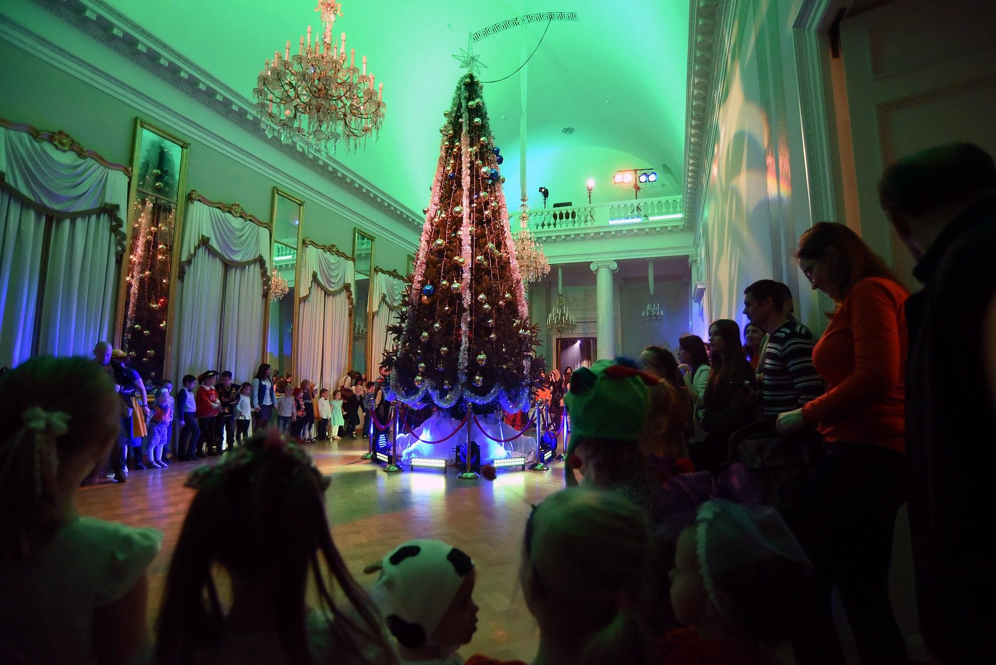 Афиша детских новогодних елок 2019 - КалендарьГода