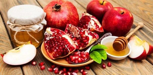 pomegranate grains and honey