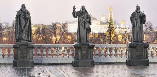 памятники патриархам РПЦ