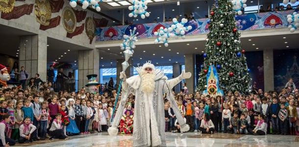 Новогодние елки 2019 в Москве
