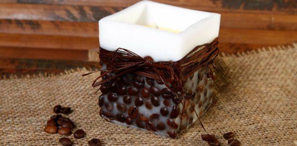 свеча с кофейными зернами