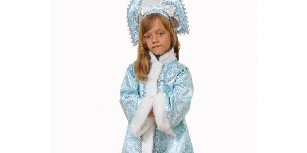 девочка в костюме на нг