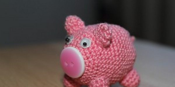 Вязанная свинка